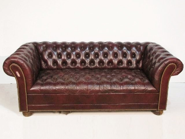 41: TUFTED LEATHER CHESTERFIELD SOFA