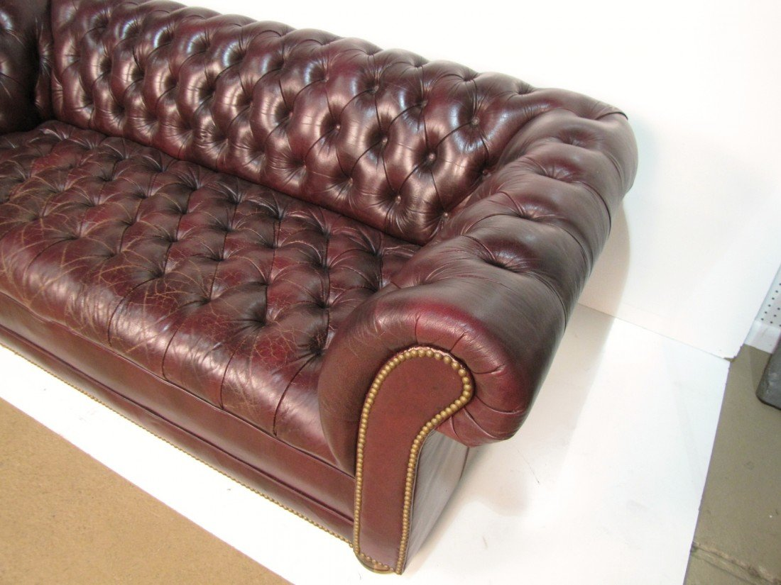41: TUFTED LEATHER CHESTERFIELD SOFA - 3