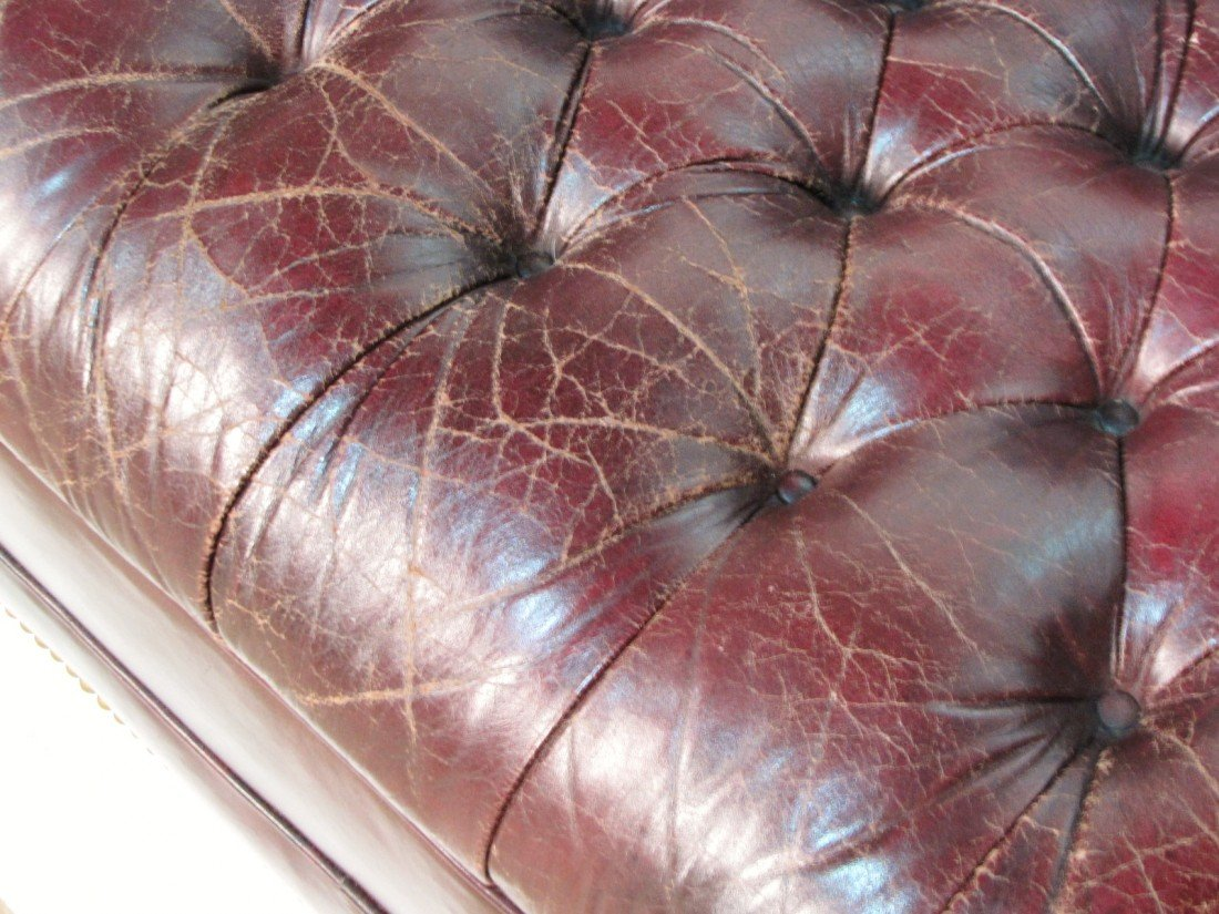 41: TUFTED LEATHER CHESTERFIELD SOFA - 4