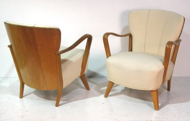 Pair MODERN DESIGN MAPLE LOUNGE CHAIRS
