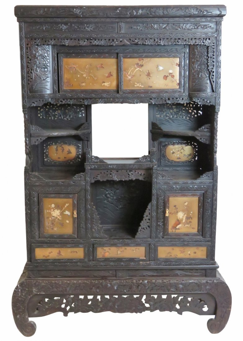 ANTIQUE JAPANESE CARVED ETAGERE