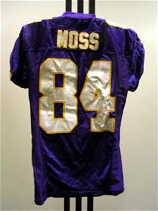 25: NFL - MOSS 10/31/04 Game Used Jersey