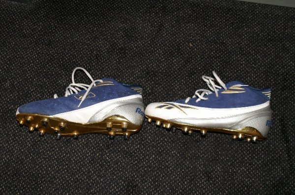 13: Rams-Torry Holt game used shoes