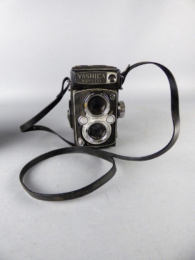 Three Vintage Twin Lens Reflex Cameras - 5