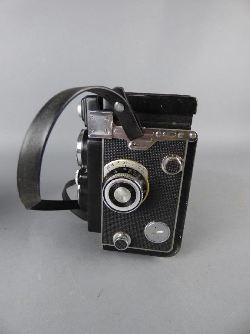 Three Vintage Twin Lens Reflex Cameras - 6