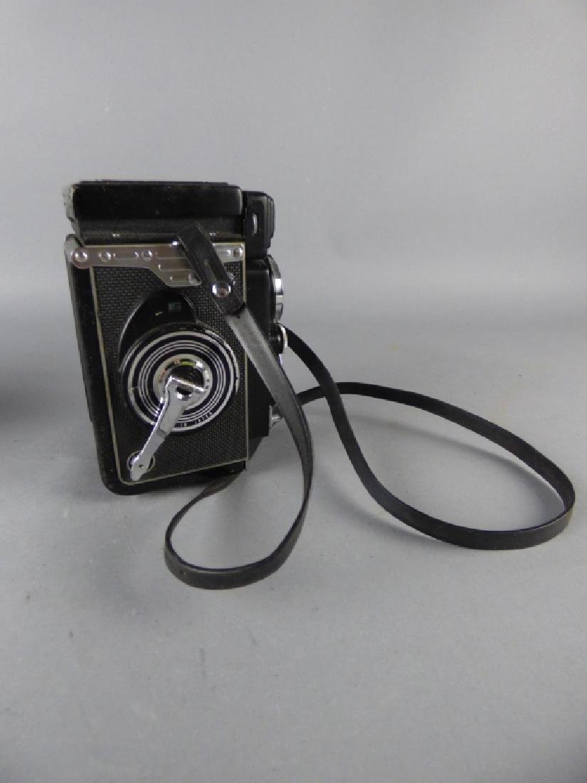 Three Vintage Twin Lens Reflex Cameras - 7