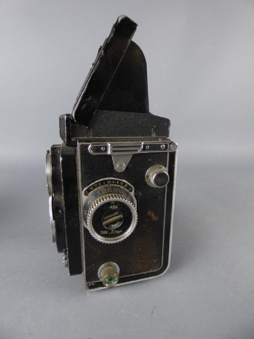 Three Vintage Twin Lens Reflex Cameras - 9