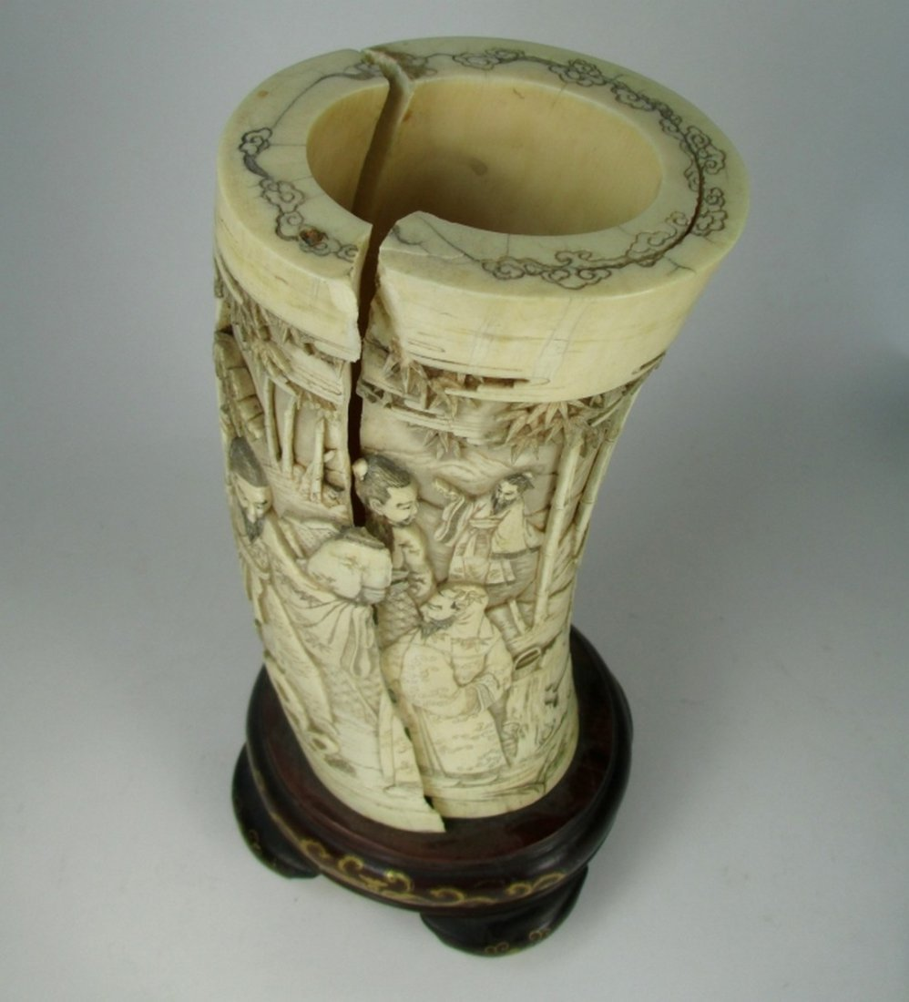 An antique Japanese ivory brush pot - 4