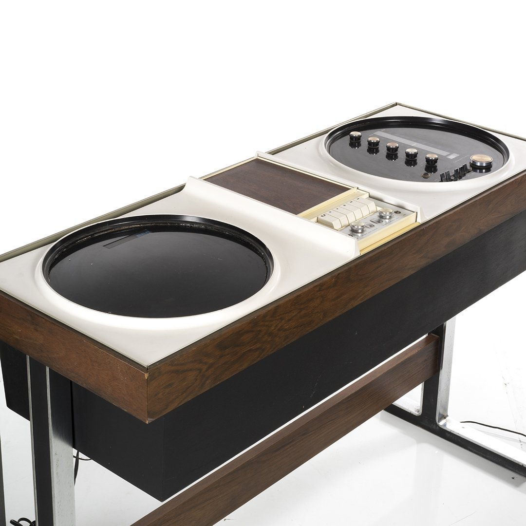 Vintage RCA Stereo With Satellite Speakers - 3