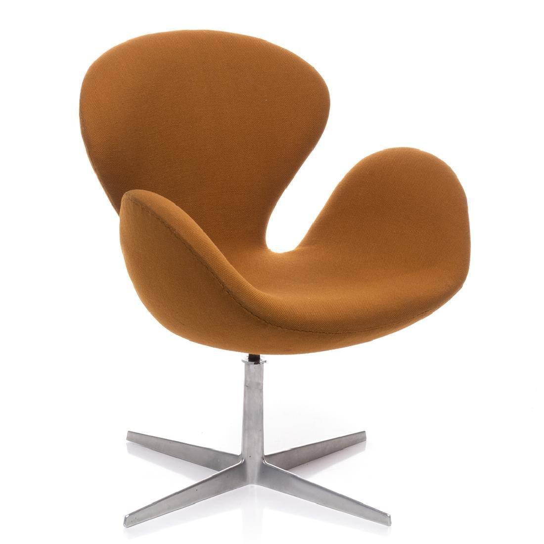 Arne Jacobsen Swan Chair - 2
