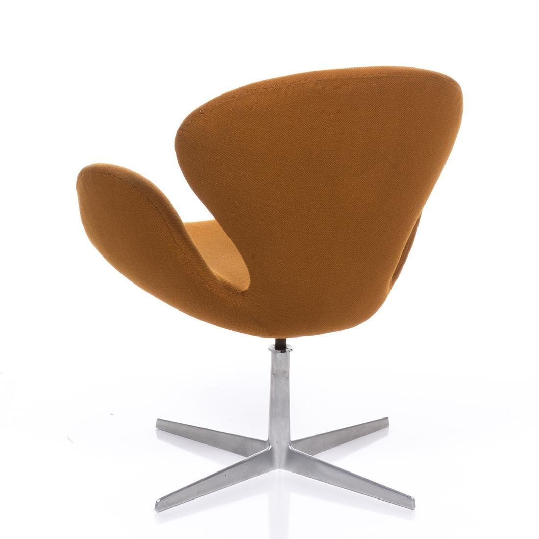 Arne Jacobsen Swan Chair - 3
