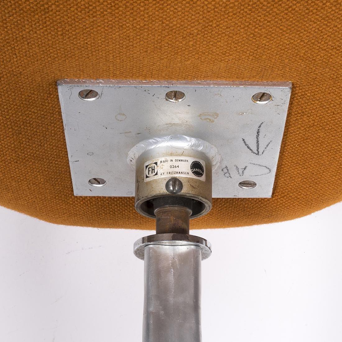 Arne Jacobsen Swan Chair - 4