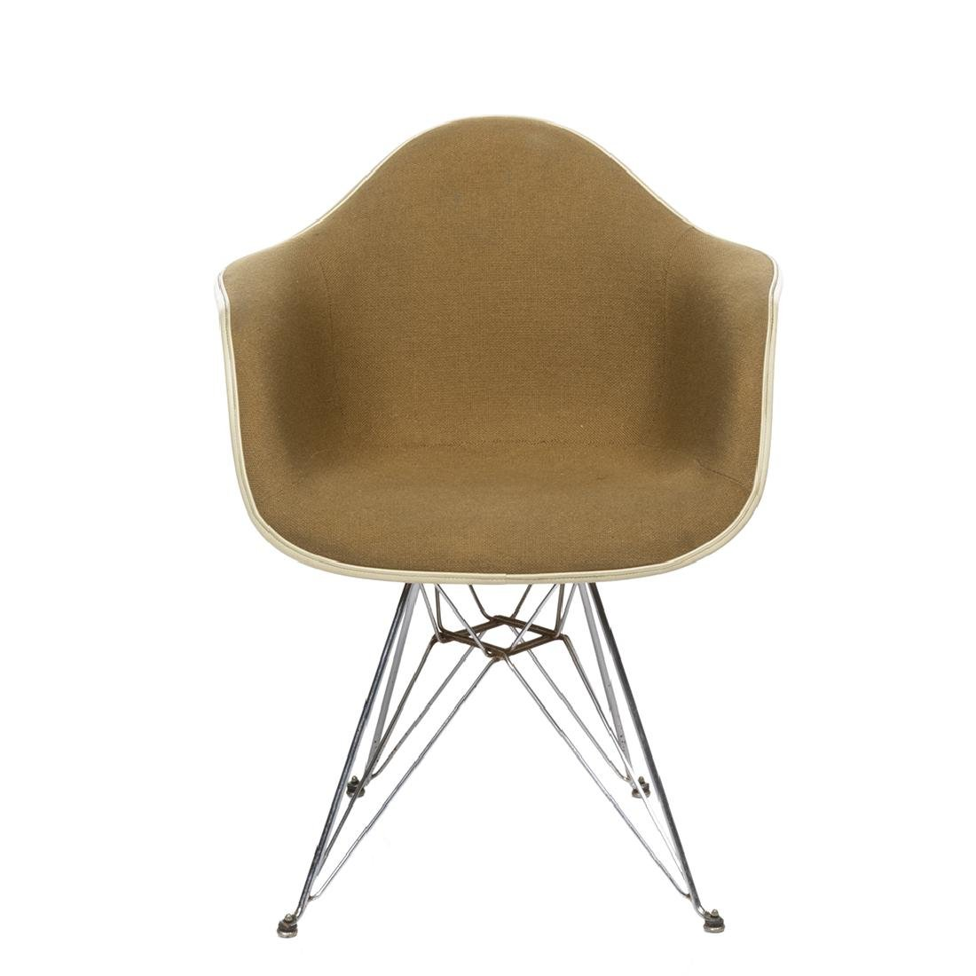 Charles Eames Arm Shell Chair