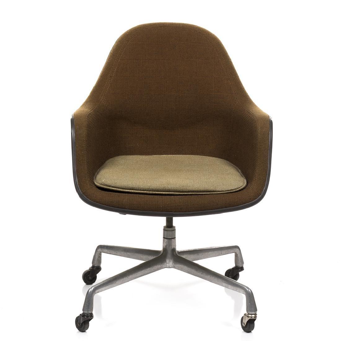 Charles Eames Executive Shell Chair - 2