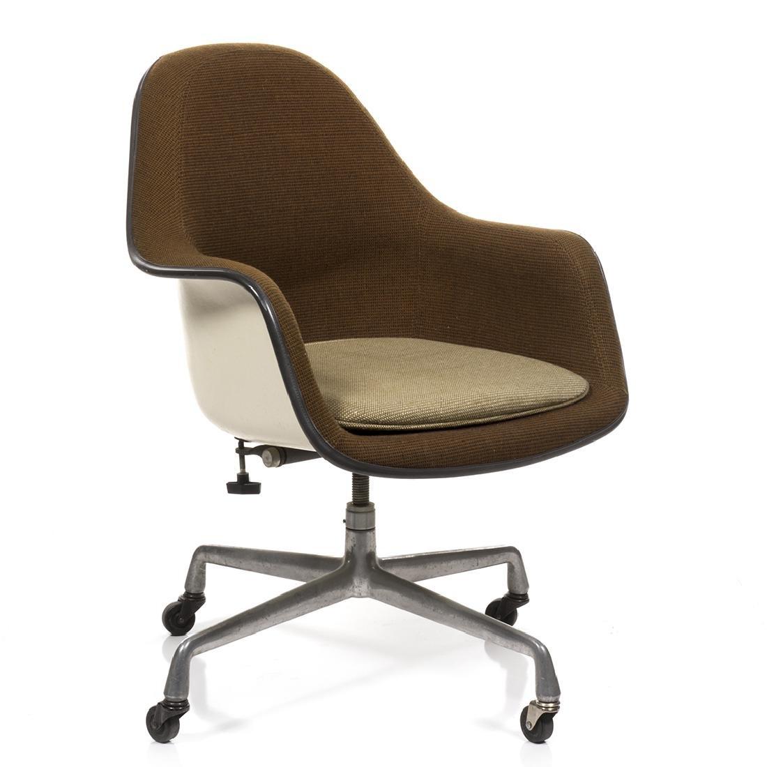 Charles Eames Executive Shell Chair - 3