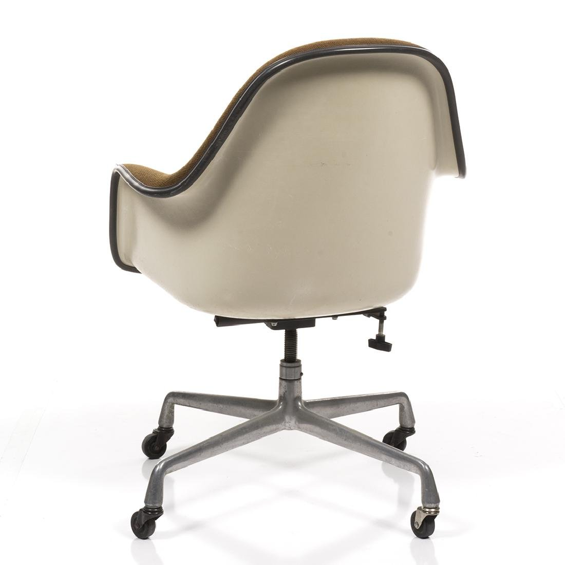 Charles Eames Executive Shell Chair - 5