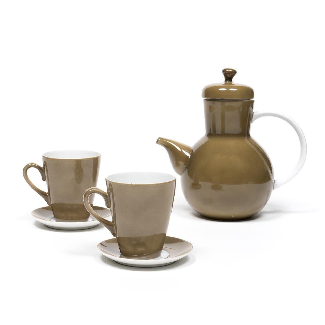Lagardo Tackett Teapot with Cups and Saucers
