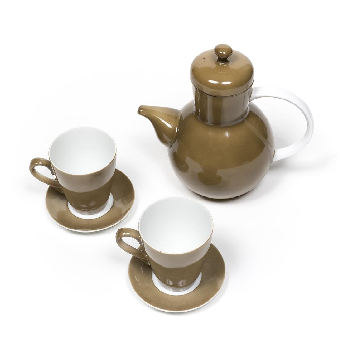 Lagardo Tackett Teapot with Cups and Saucers - 3
