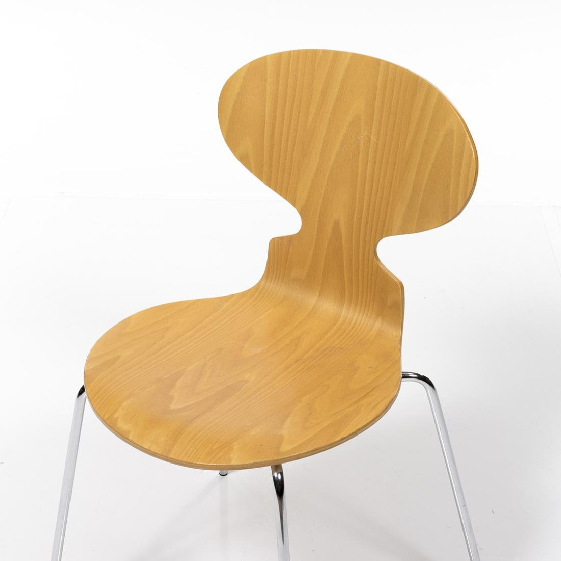 Arne Jacobsen Series 7 Chair - 5