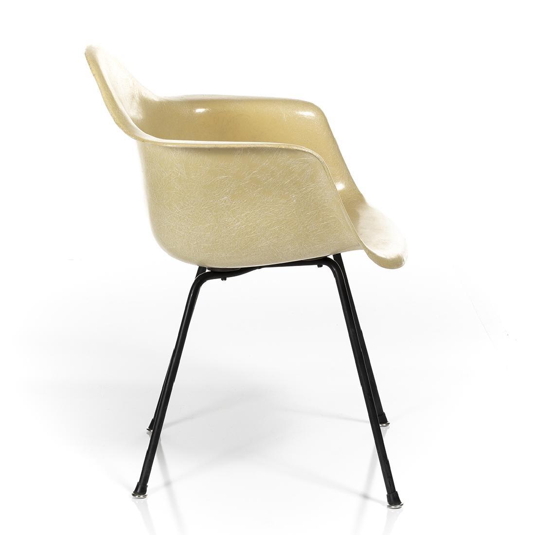 Charles Eames Shell Armchair - 4