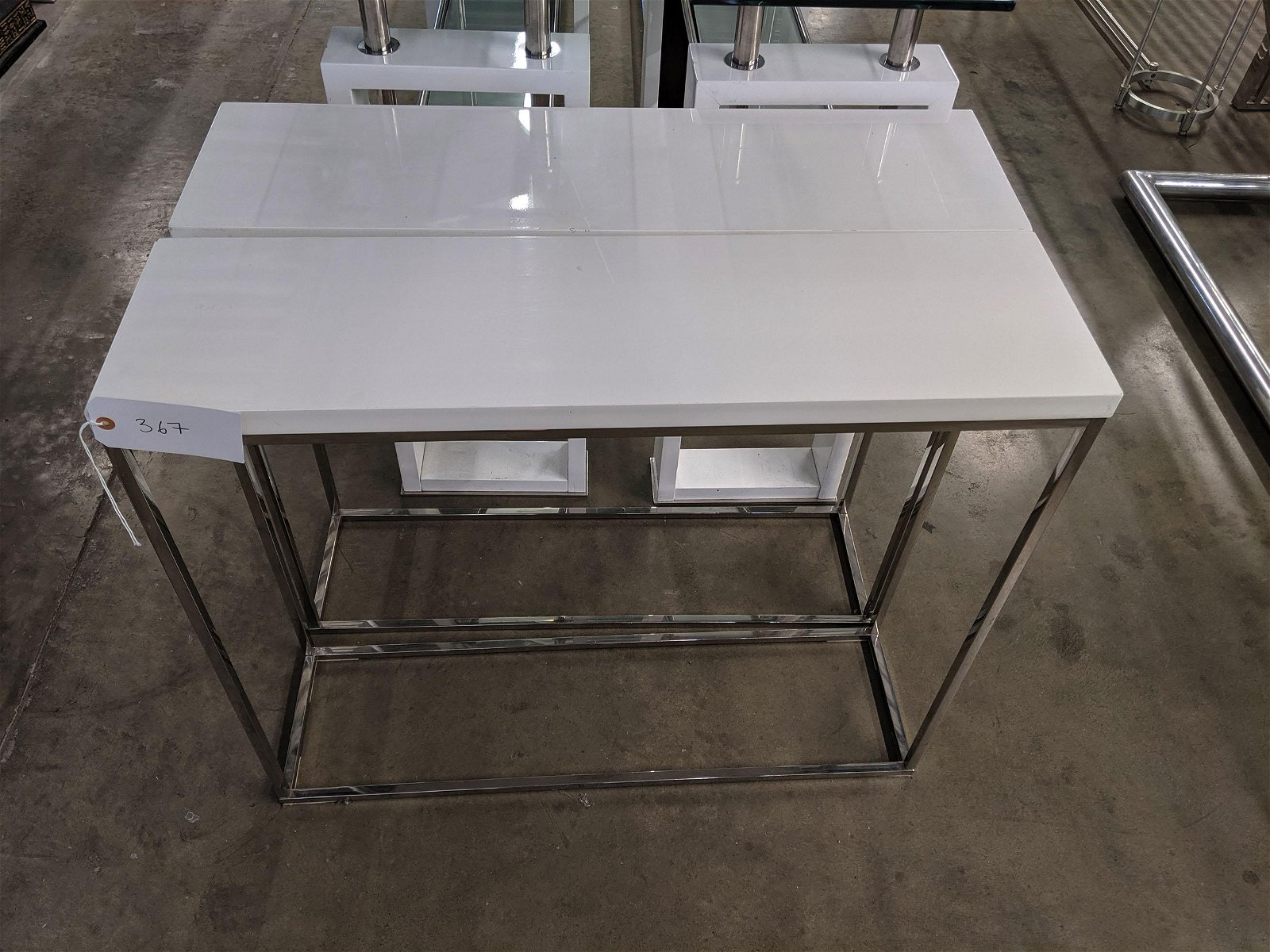 Minimal Console Tables (2)