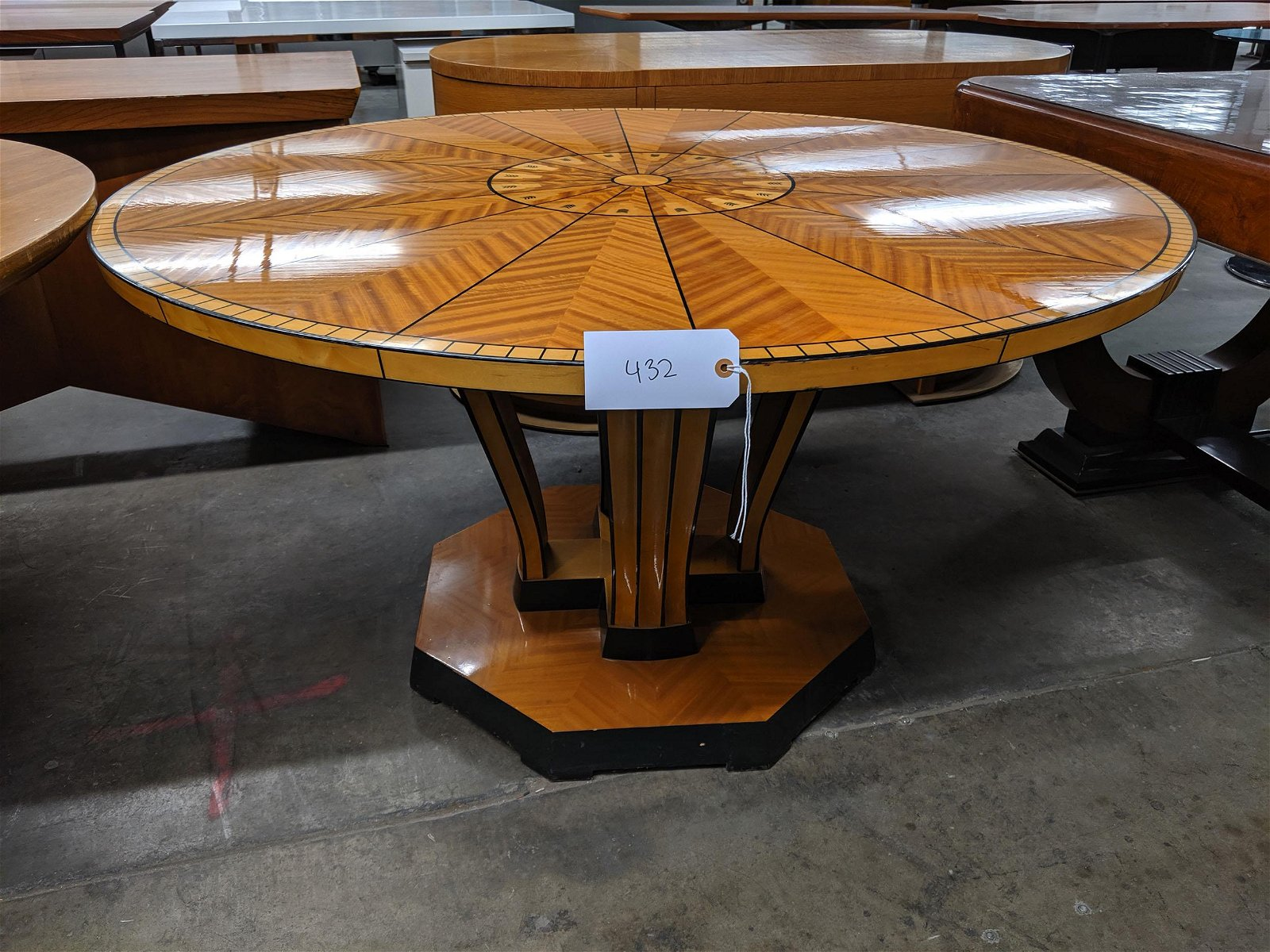 Saarinen House Dining Table