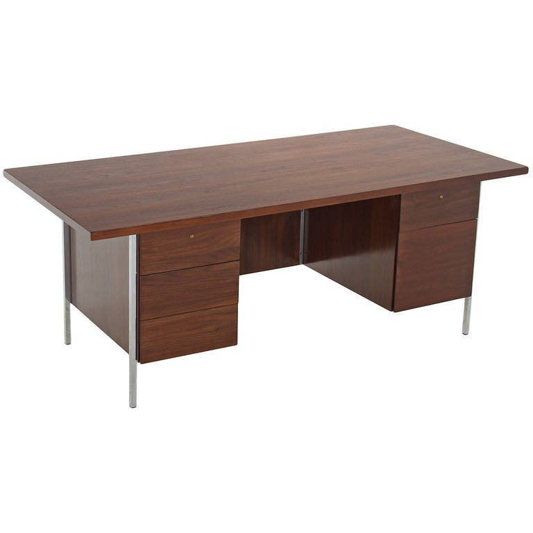Florence Knoll walnut and chrome desk
