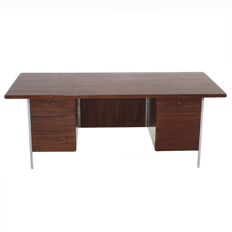 Florence Knoll walnut and chrome desk - 2