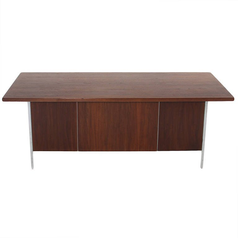 Florence Knoll walnut and chrome desk - 5
