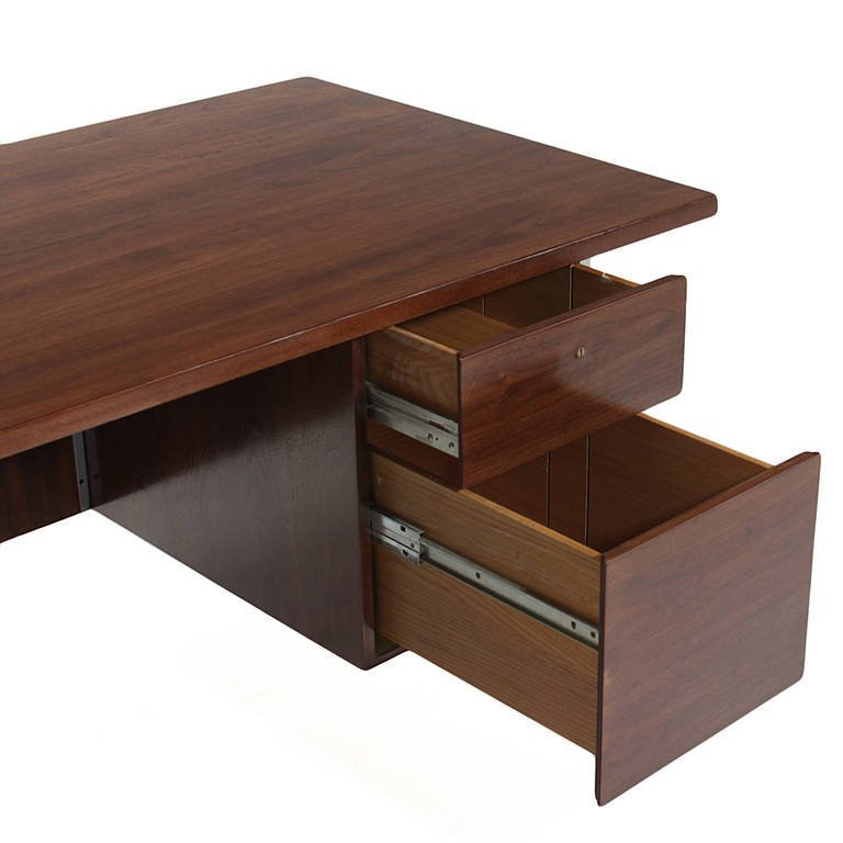 Florence Knoll walnut and chrome desk - 7