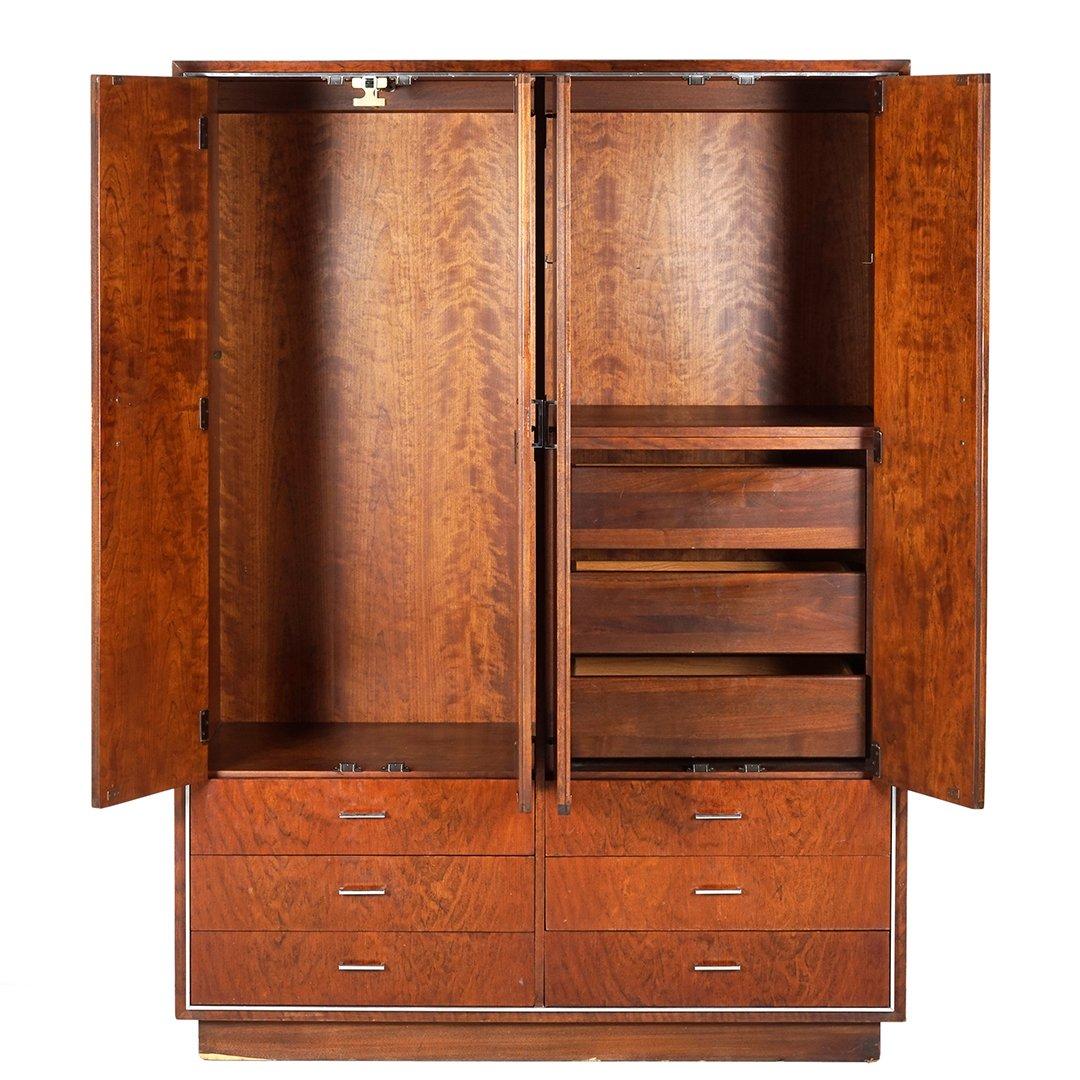 Knape and Vogt dressing cabinet - 3