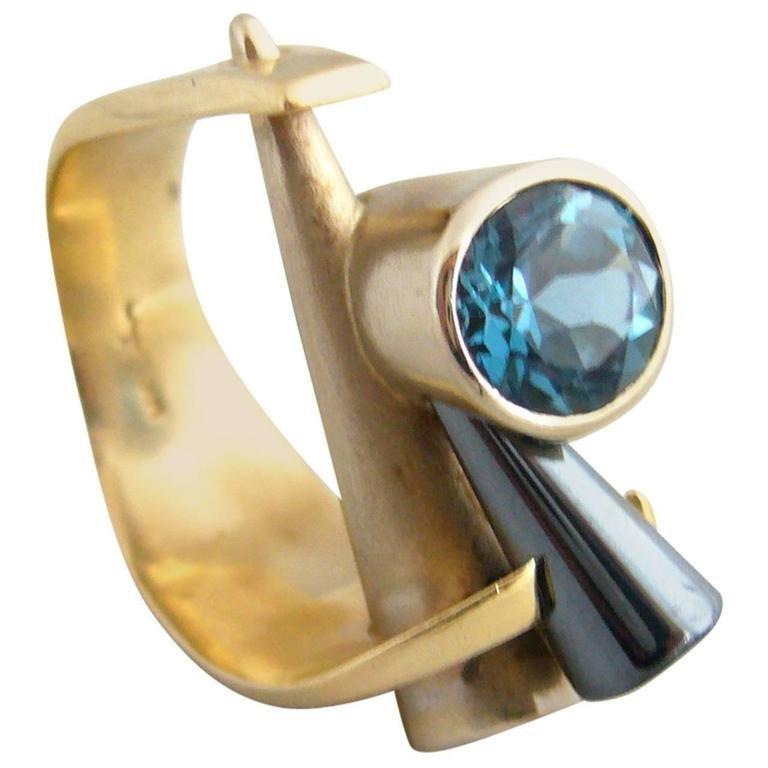 14k gold and tanzanite ring