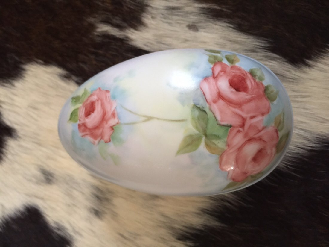 Fine Porcelain Egg (Trinket Box)