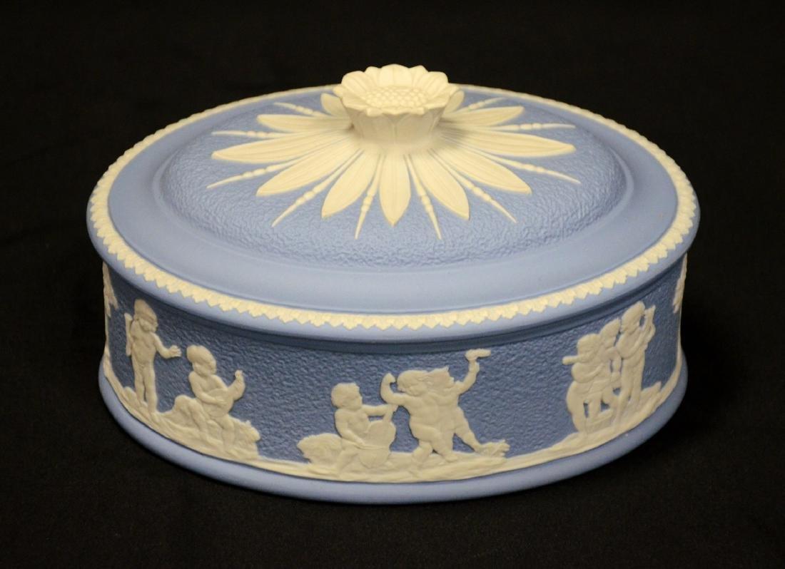 Wedgwood blue & white Jasper ladies paint box, complete