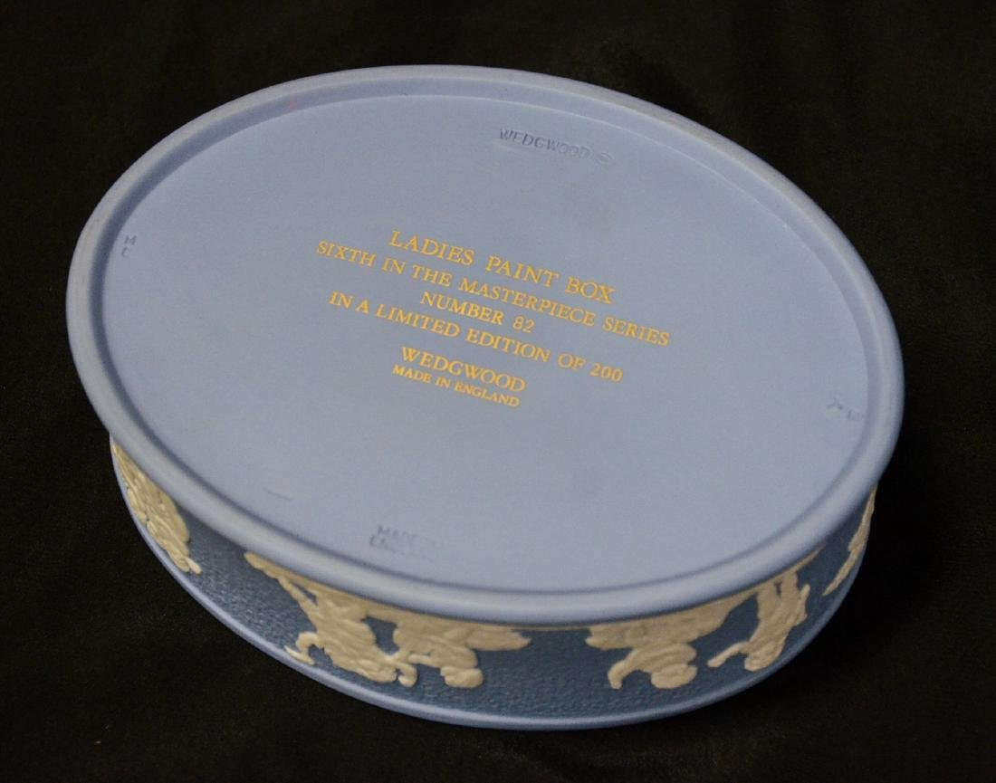Wedgwood blue & white Jasper ladies paint box, complete - 6