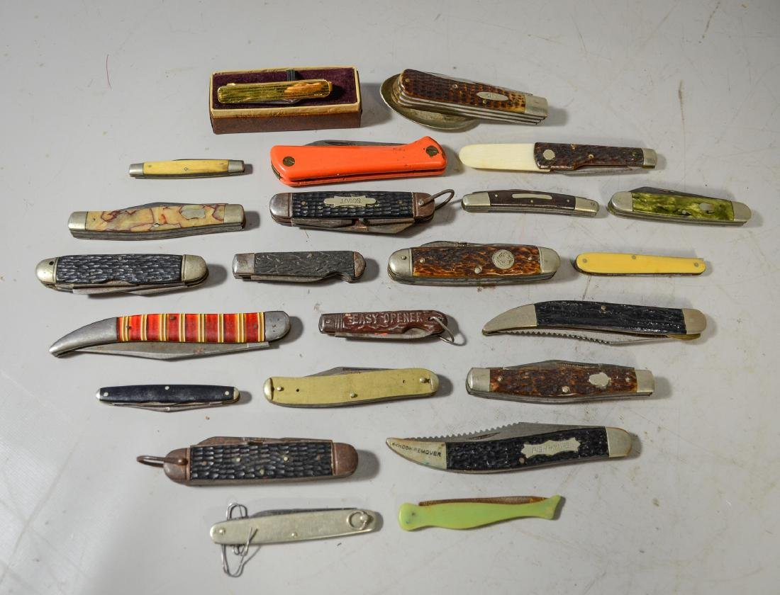 23 Pieces mostly pen knives, horn handle, plastic,