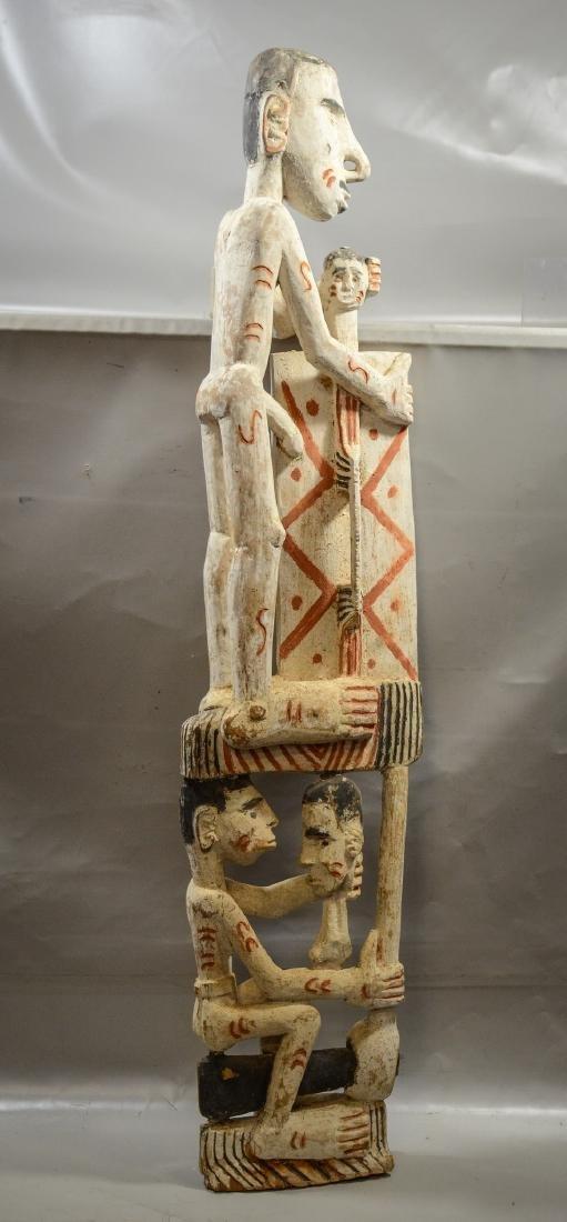 Papua New Guinea carved wooden totem pole, Irian Jaya