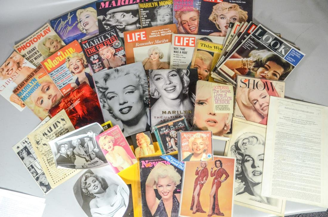 Marilyn Monroe memorabilia lot, including 2 DVDs, 6