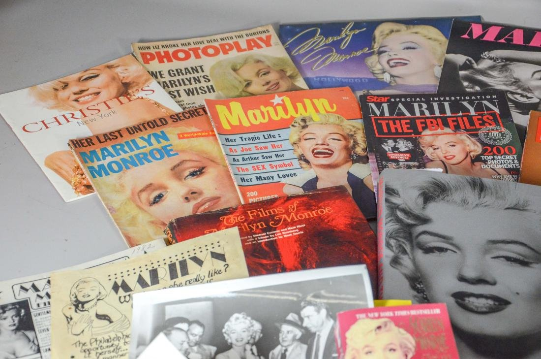 Marilyn Monroe memorabilia lot, including 2 DVDs, 6 - 7