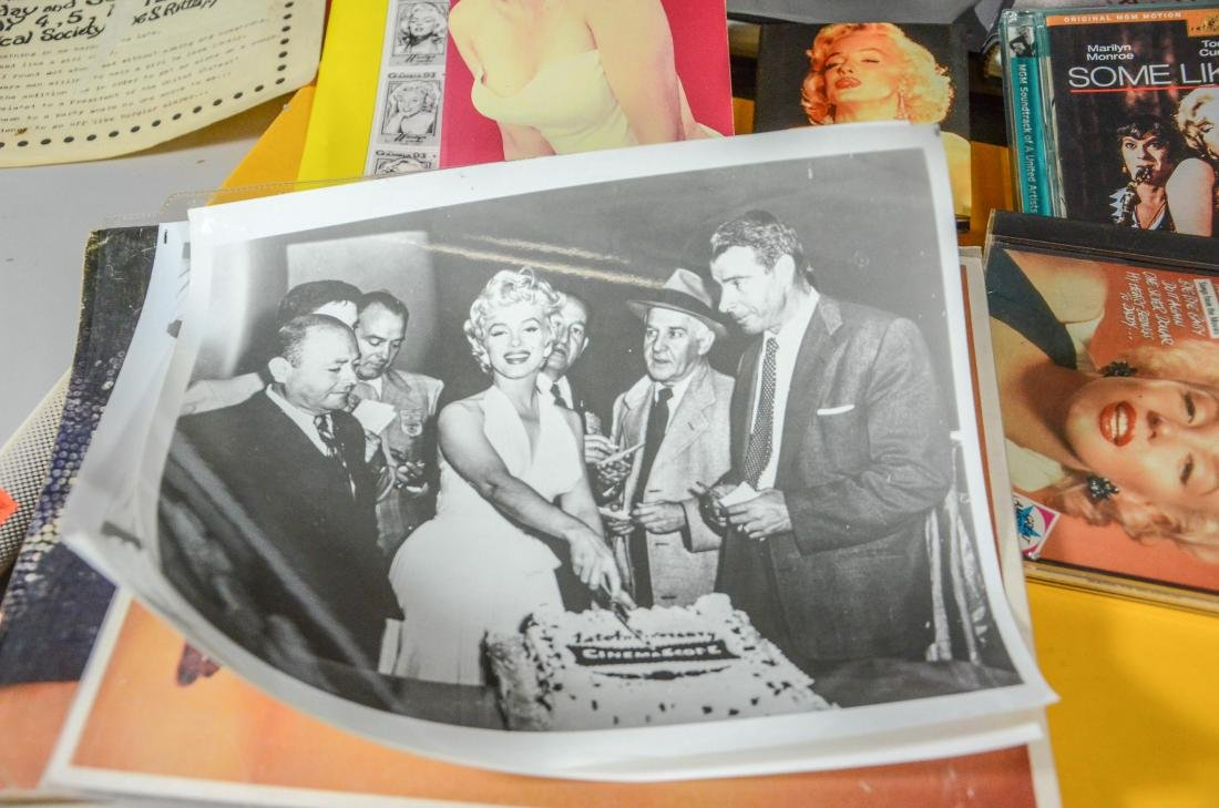 Marilyn Monroe memorabilia lot, including 2 DVDs, 6 - 8