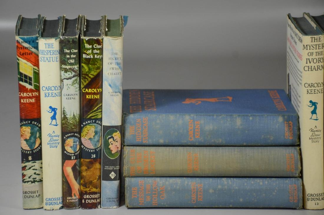 25 Nancy Drew books by Carolyn Keene, 3 without dust - 4