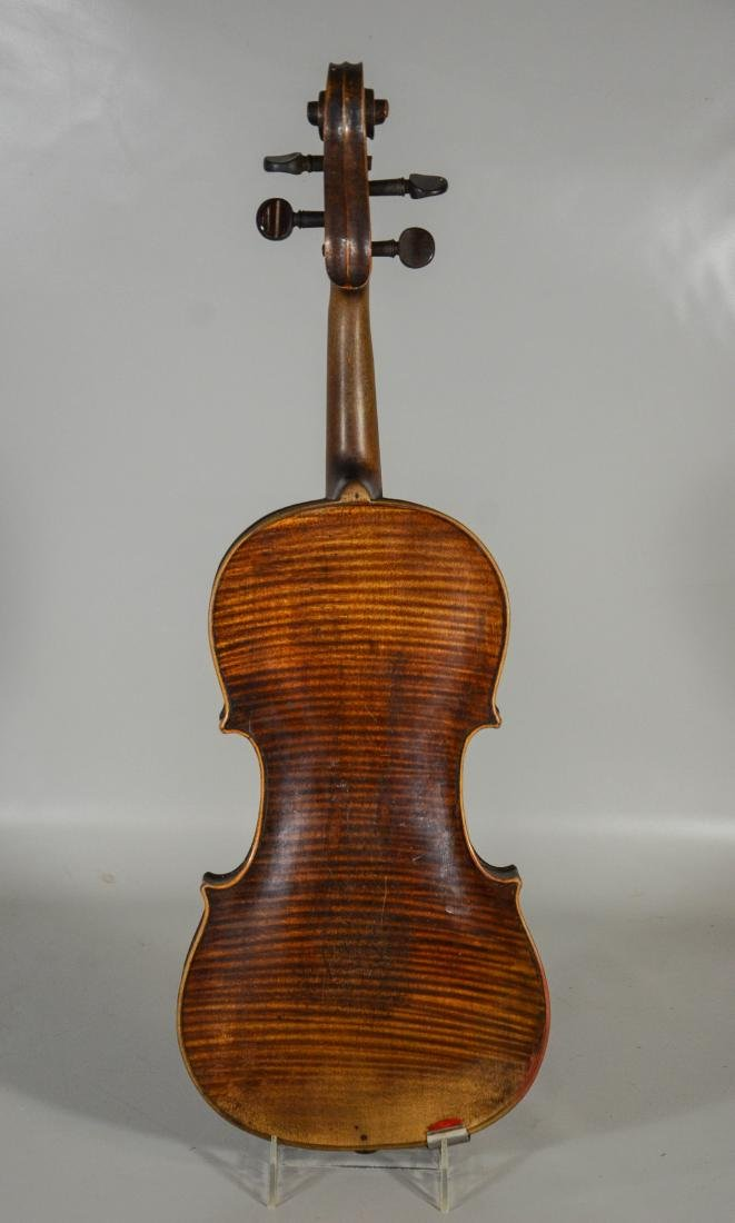Unmarked violin, single piece figured maple back, - 5