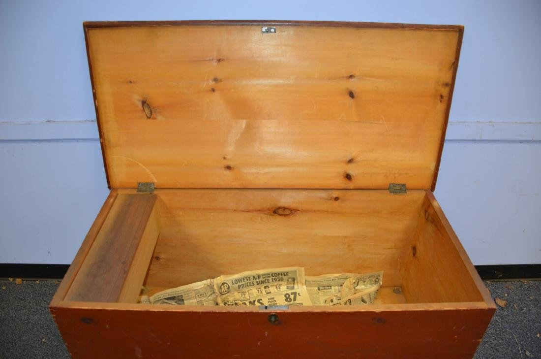 Red Painted Dovetailed Blanket Chest, with till, normal - 4