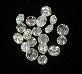 19 round diamonds, 3.12 to 4.0mm, 3.28 carats TDW
