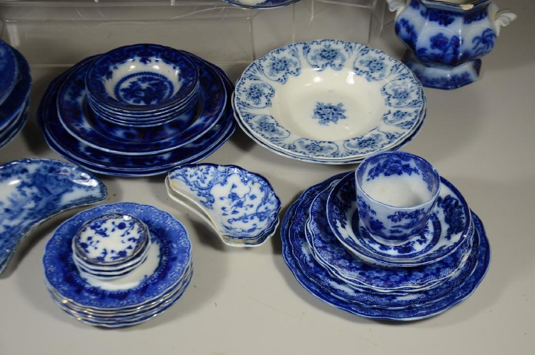52 Pieces of English Blue and White Pottery - 3