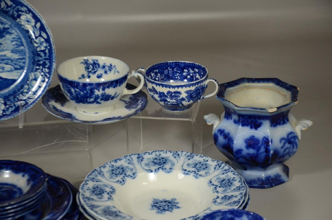 52 Pieces of English Blue and White Pottery - 6