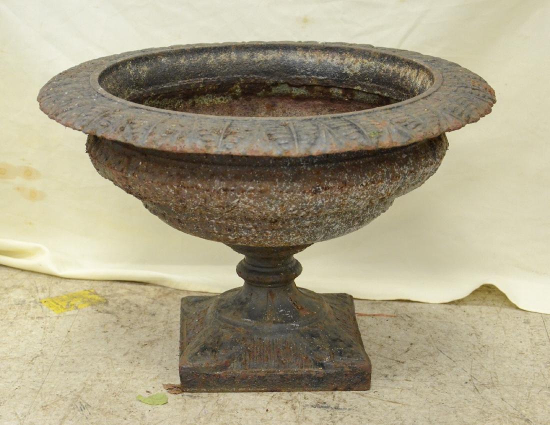 3-Piece cast iron planter