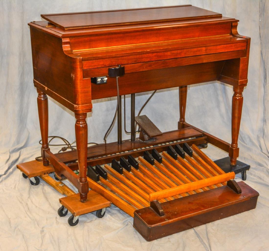Hammond B3 console organ, Leslie model 122RV speaker