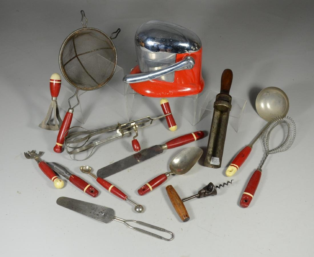 (14) Pieces of kitchenware