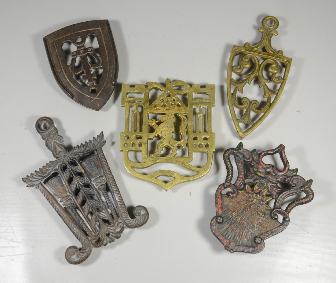 (5) Metal trivets
